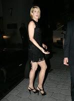 Jenna Elfman sexy calves