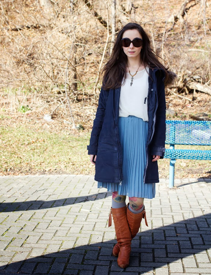 polka-dot-shirt-pleated-skirt