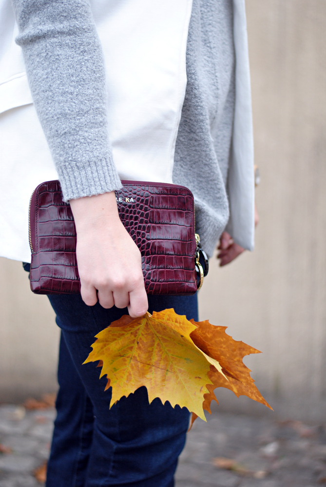 fall outfit shooting leaves