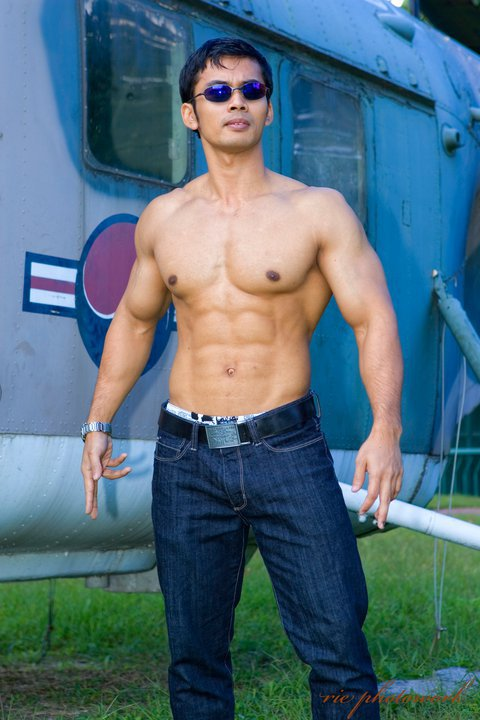 Hot Hunks Asians Gallery 13
