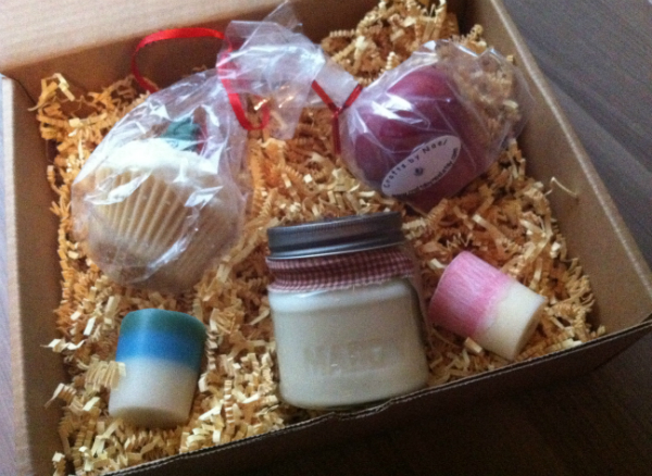 Candle Voyage Box - October 2012 Review- Indie Monthly Candle Reviews and Subscription Boxes