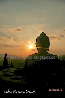 http://ejawantahtour.blogspot.com/2012/11/candi-borobudur-sebuah-pesan-dalam-tapa.html
