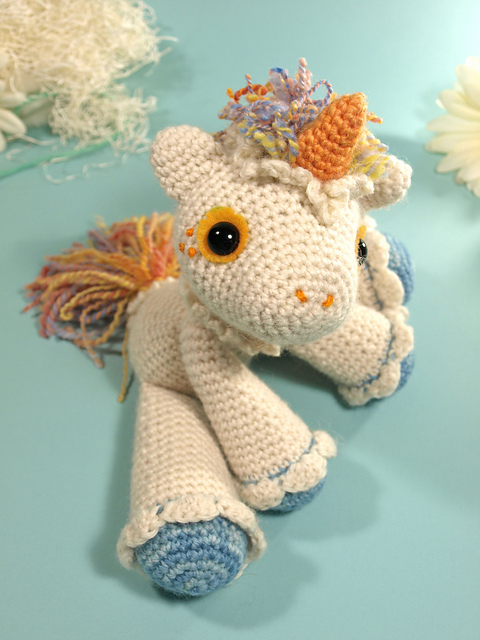 Free crochet pattern - Unicorn pillow pal - Milwaukee Arts and