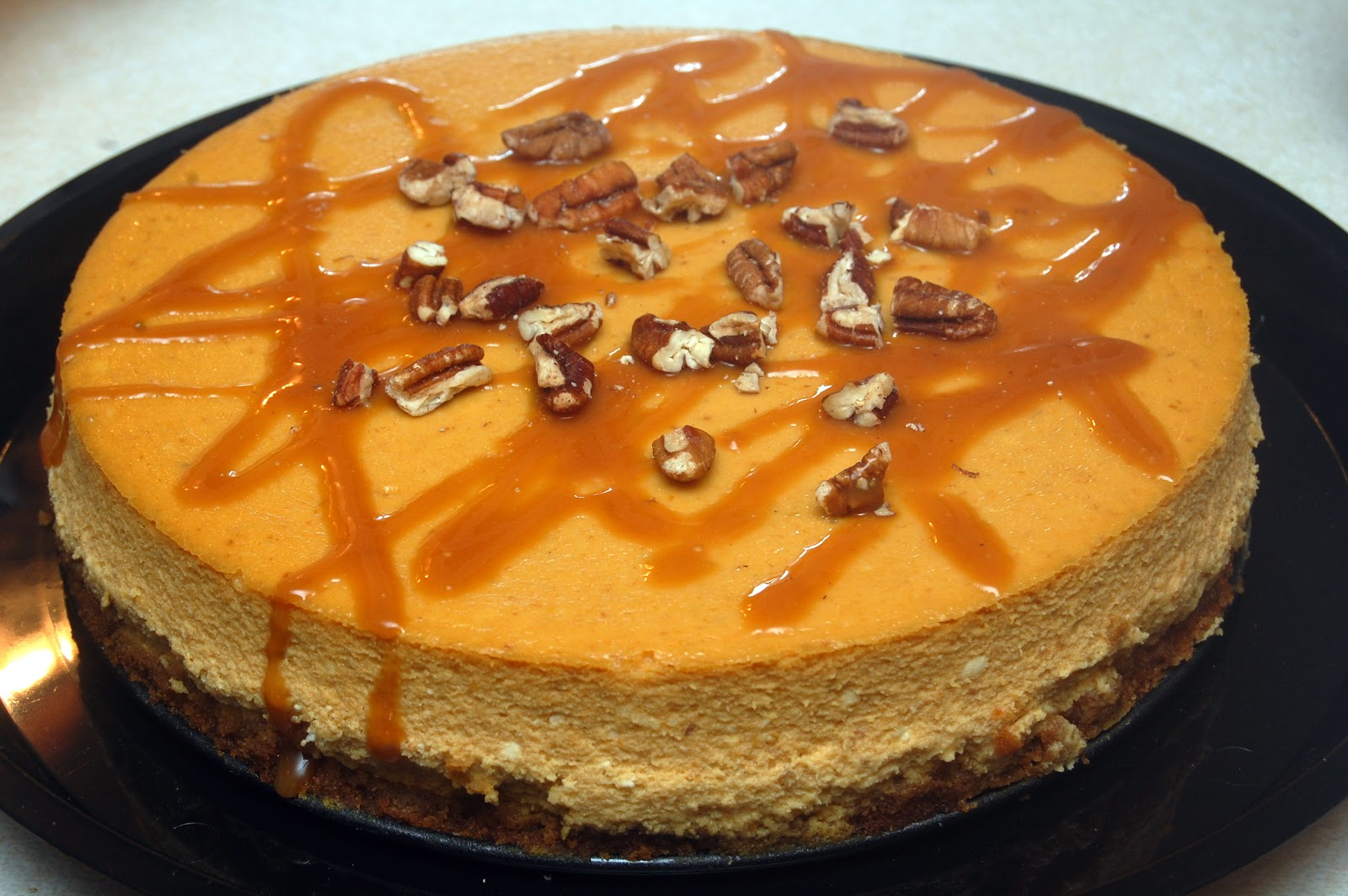 PUMPKIN PIE CHEESECAKE WITH SALTED CARAMEL & PECANS - Hugs ...