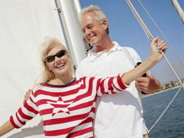 pareja-feliz-riqueza