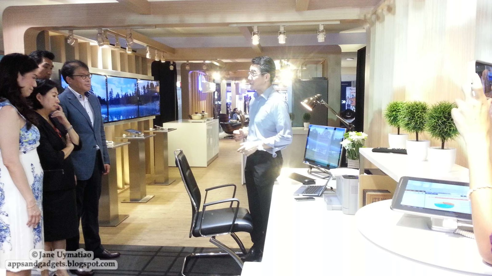 future home office gadgets. Samsung And SM Execs Get The Tour Of Dad\u0027s Wired Office Future Home Gadgets