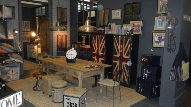la decoraci n vintage e industrial de dialma brown. Black Bedroom Furniture Sets. Home Design Ideas