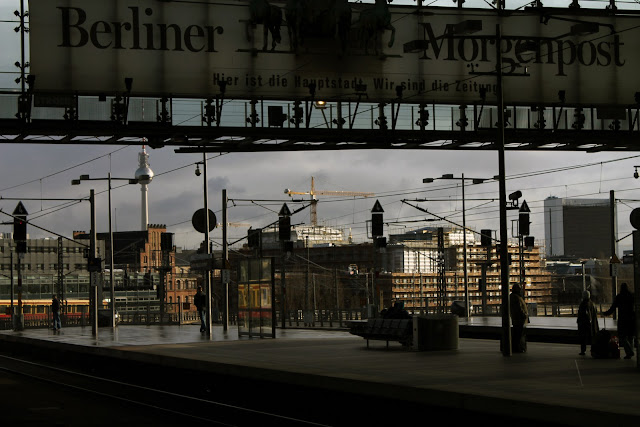 gin gelato berlin 39 s bahns buses hauptbahnhof. Black Bedroom Furniture Sets. Home Design Ideas