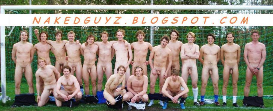 фото парней голых в раздевалке