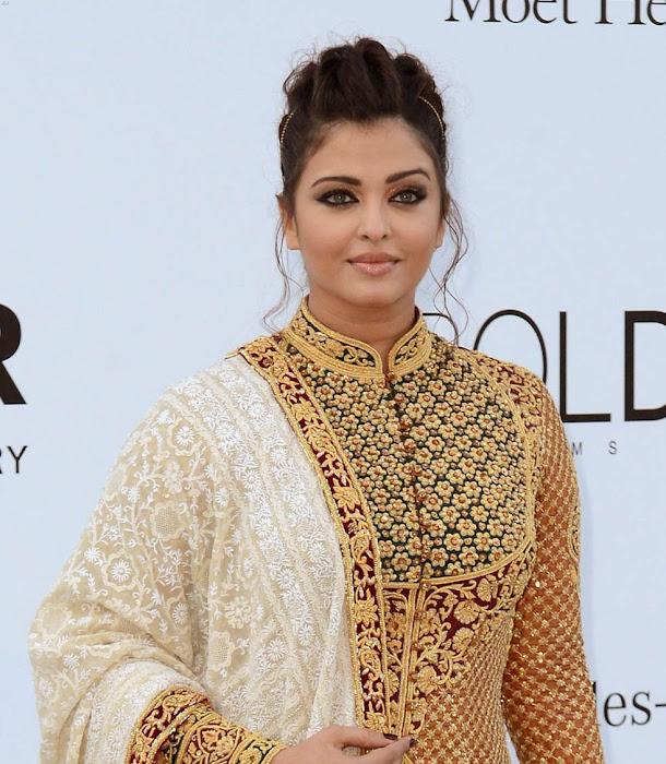 aishwarya rai at cannes film festival 2012 cute stills