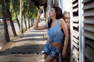 hot Laurenzia Arnes for Popular World Magazine, August 2012