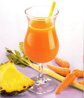 jugo de zanahoria, apio y piña