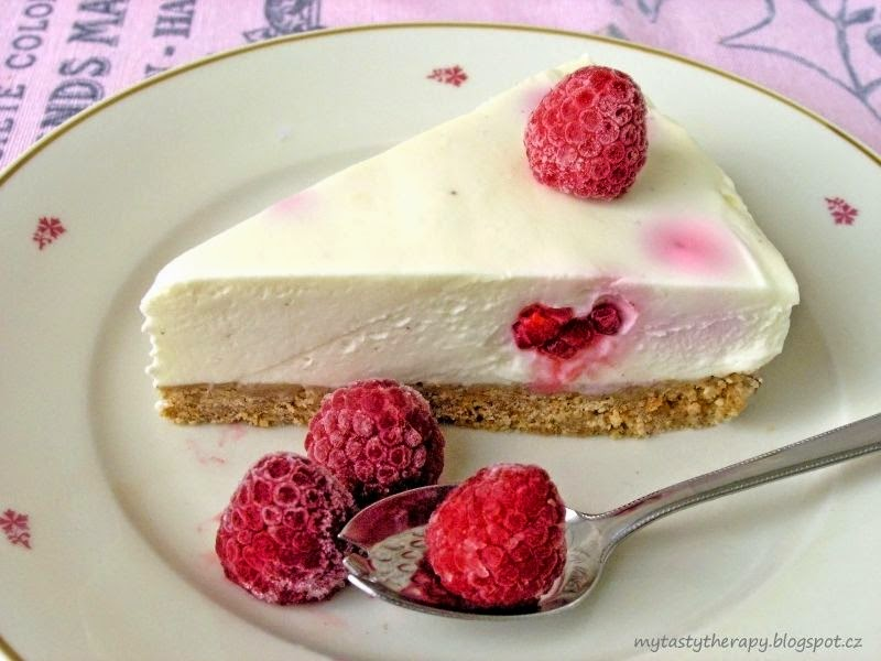 no bake white chocolate cheesecake with rapsberries