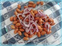Insalata tonno, cipolla, pomodorini ed uova sode