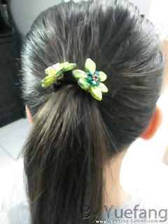 Beaded_flower_as_hair_band_embellishment