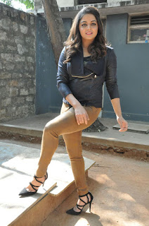 Actress Wamiqa latest glam pics 033.jpg