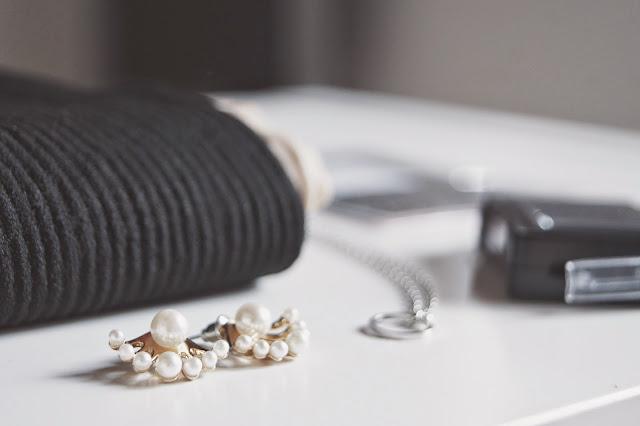 http://la-rubrique-a-brac.blogspot.fr/2015/05/neejolie-5-perles-chaussettes-hautes-et.html