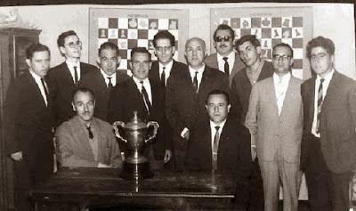 El equipo del Club Ajedrez Tarragon, campeón de Cataluña de 1ª categoría en 1964 y 1965