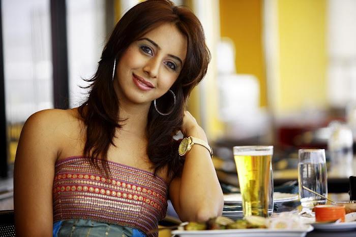 sanjana actress pics