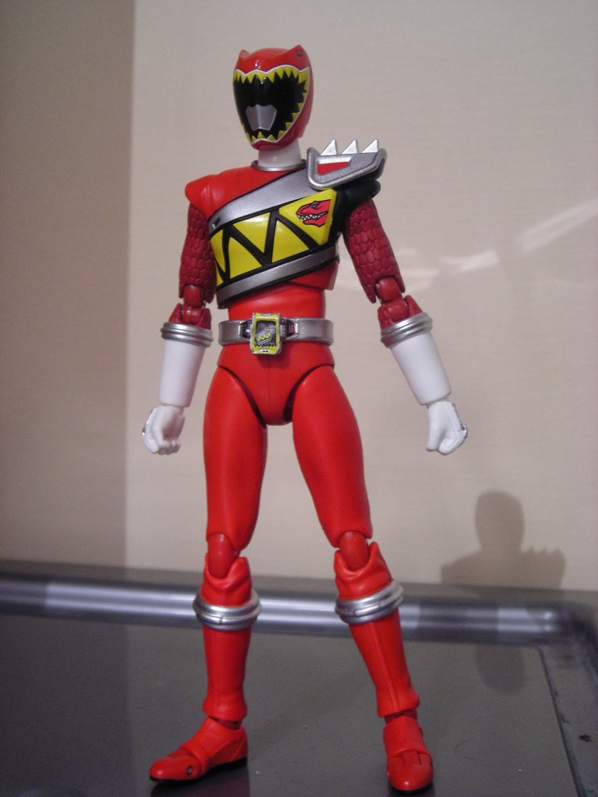 S.H.Figuarts SHF kyoryu red zyuden sentai kyoryuger Action figure