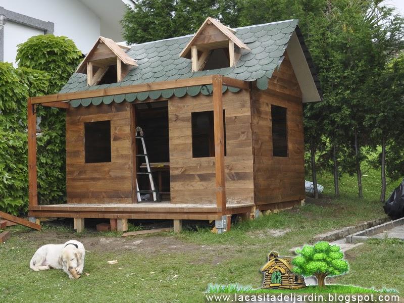 D a 14 ventanas del tejado la casita del jard n - La casita de madera ...