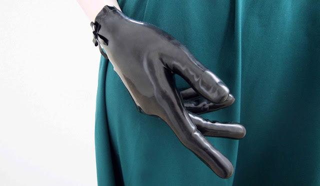 gloves, rubber, latex, atsuko kudo