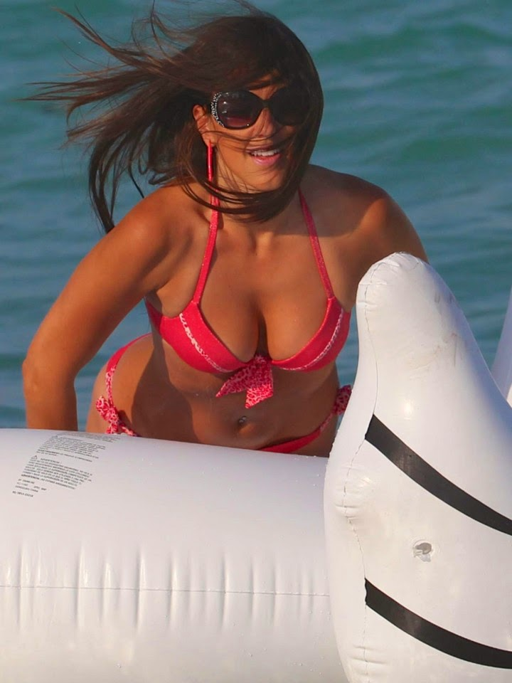 Claudia Romani showed off her worryingly slender frame during the set sail to the ocean on Saturday,‭ ‬April‭ ‬26,‭ ‬2014‭ ‬at Miami,‭ ‬FL,‭ ‬USA.