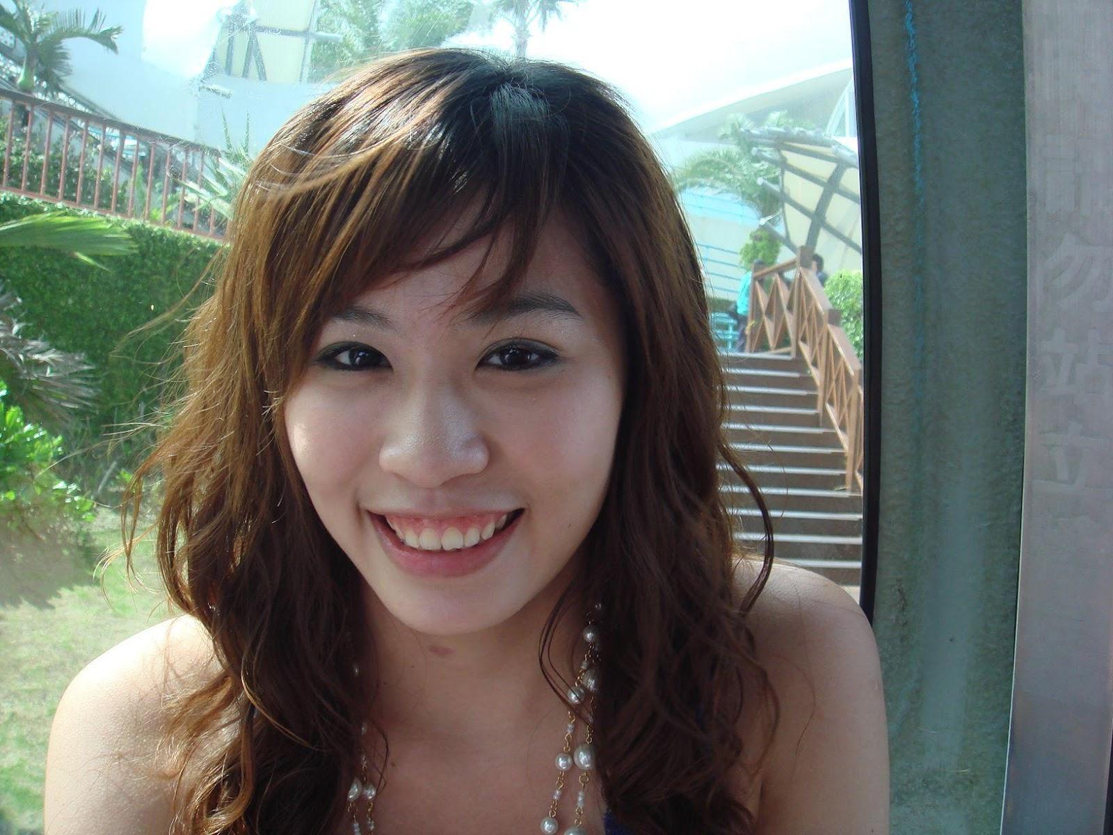 Cute Asian Girl Giving Blowjob - Free Porn Videos -