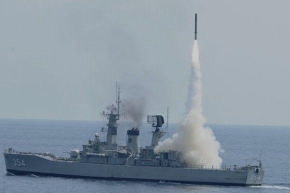 KRI OWA tembakkan rudal Yakhont