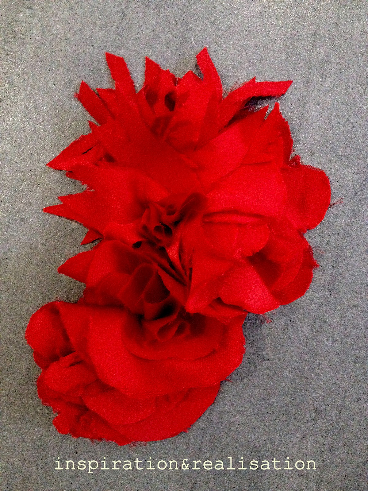 Inspiration and realisation diy fashion blog diy corsage fabric worn as a fashion accessory mightylinksfo