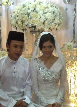 Gambar Zahiril Adzim dan Shera Aiyob Majlis Perkahwinan