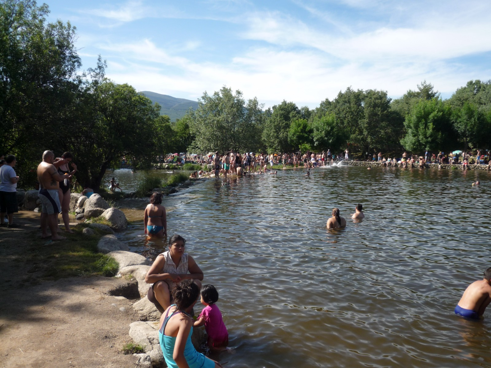 Paralelos y meridianos cascadas del purgatorio y piscinas for Piscinas naturales de rascafria