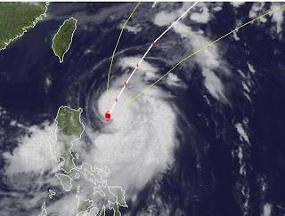 Taifun MAWAR ( AMBO) entfernt sich von den Philippinen, Mawar, Ambo, Taifun Typhoon, Taifunsaison, Taifunsaison 2012, aktuell, Satellitenbild Satellitenbilder, Philippinen, Juni, 2012, Pazifik,