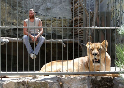 [Image: living_with_lions_02.jpg]