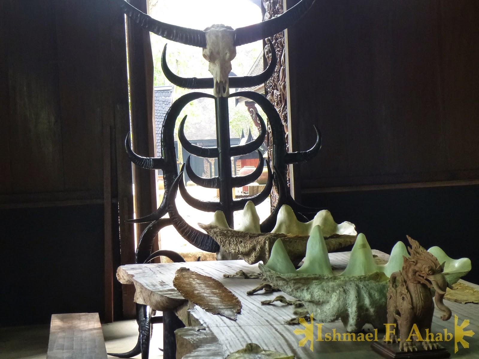 Evil kings throne room - Evil King S Throne In Black House Chiang Rai Thailand