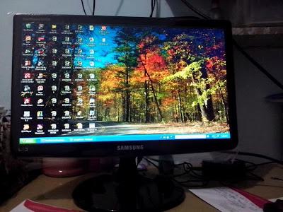 Samsung SyncMaster SA100 19 Inch LED Wide Monitor