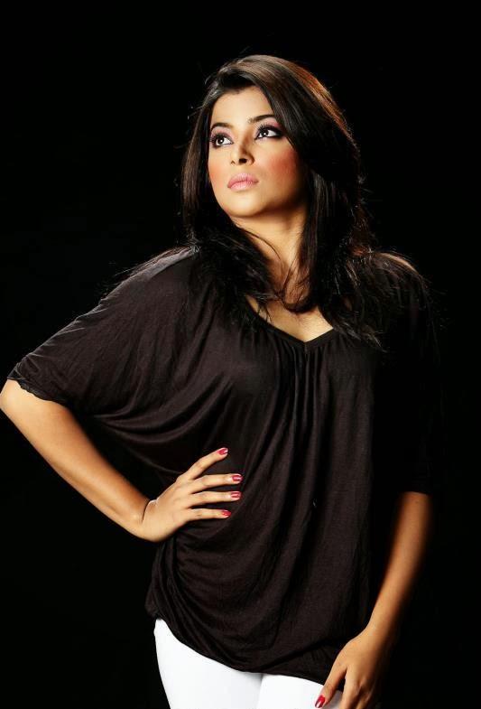 Bangladeshi hot model