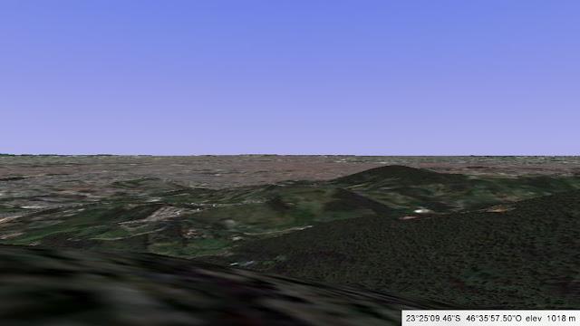 Vista da montanha de onde o avião dos Mamonas assassinas bateu