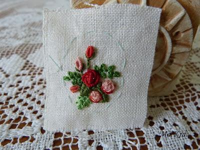 haftowane kwiaty, haftowane róże, embroidery