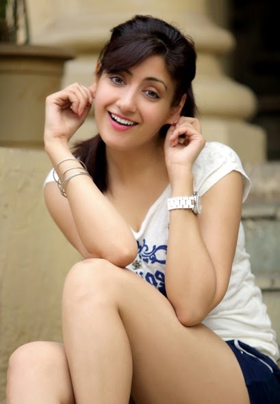 Gurleen Chopra Cute Stills