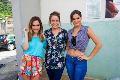 Danda ( Tatá Werneck ), Eva ( Soraya Ravenle ) e Mari ( Bruna Marquezine )  Crédito: Globo/João Miguel Júnior
