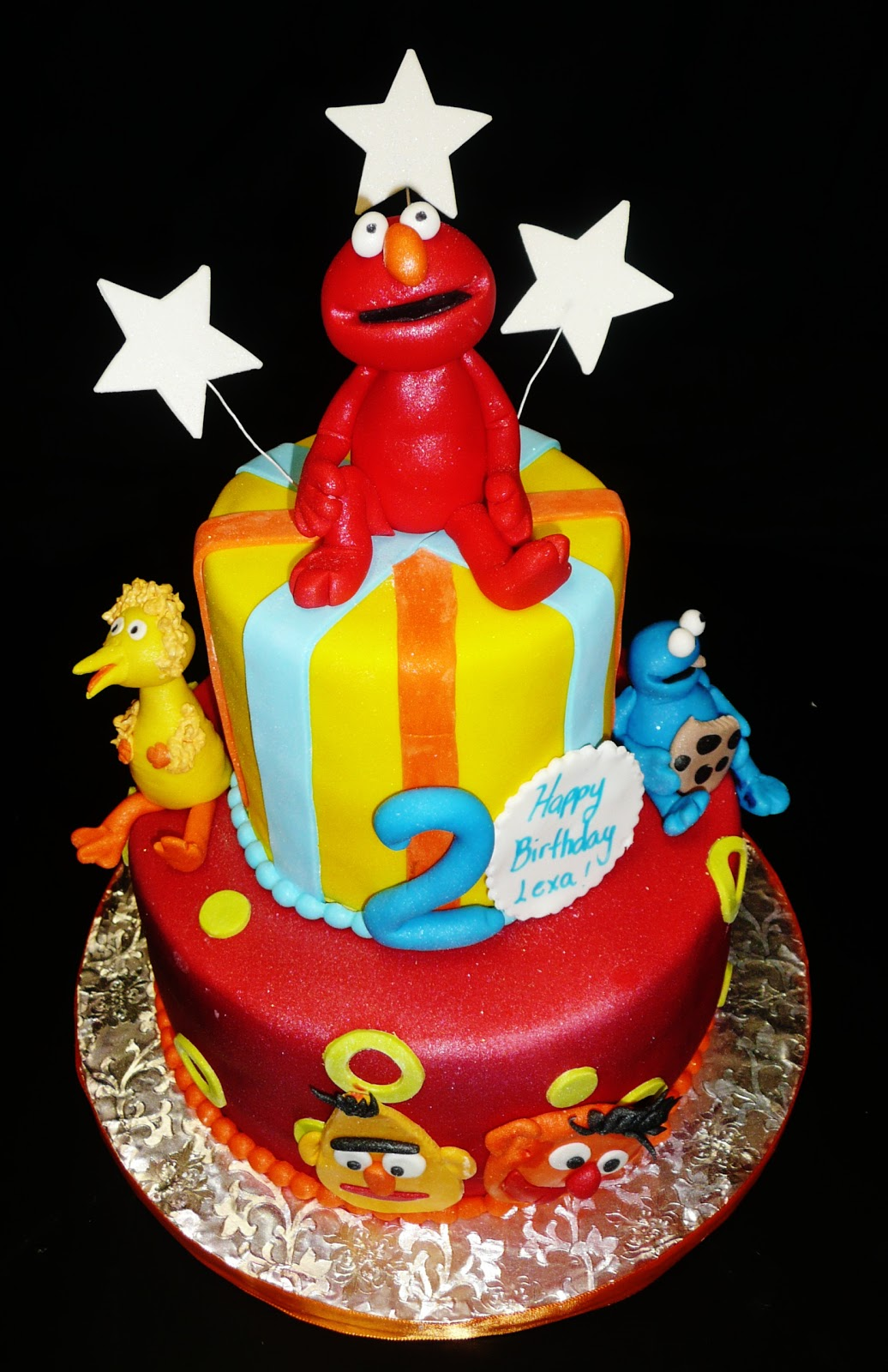 Baking with Roxanas Cakes: Elmo Themed Birthday Cake