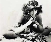 http://2.bp.blogspot.com/-VHhM2f_EN40/T6pOaYmxxrI/AAAAAAAAGFI/xw1TQwvTMfo/s400/Colette+ca+1907.jpg