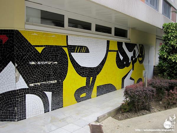 Paris - 12ème - Immeuble d'habitation et fresques mosaïques  Architectes: Jean Mougenot-Meline, Daniel Solvet  Mosaïques: Ladislas Kijno  Construction: 1968