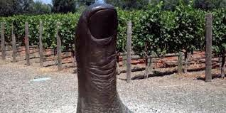 Monumen Tubuh Manusia Paling Aneh