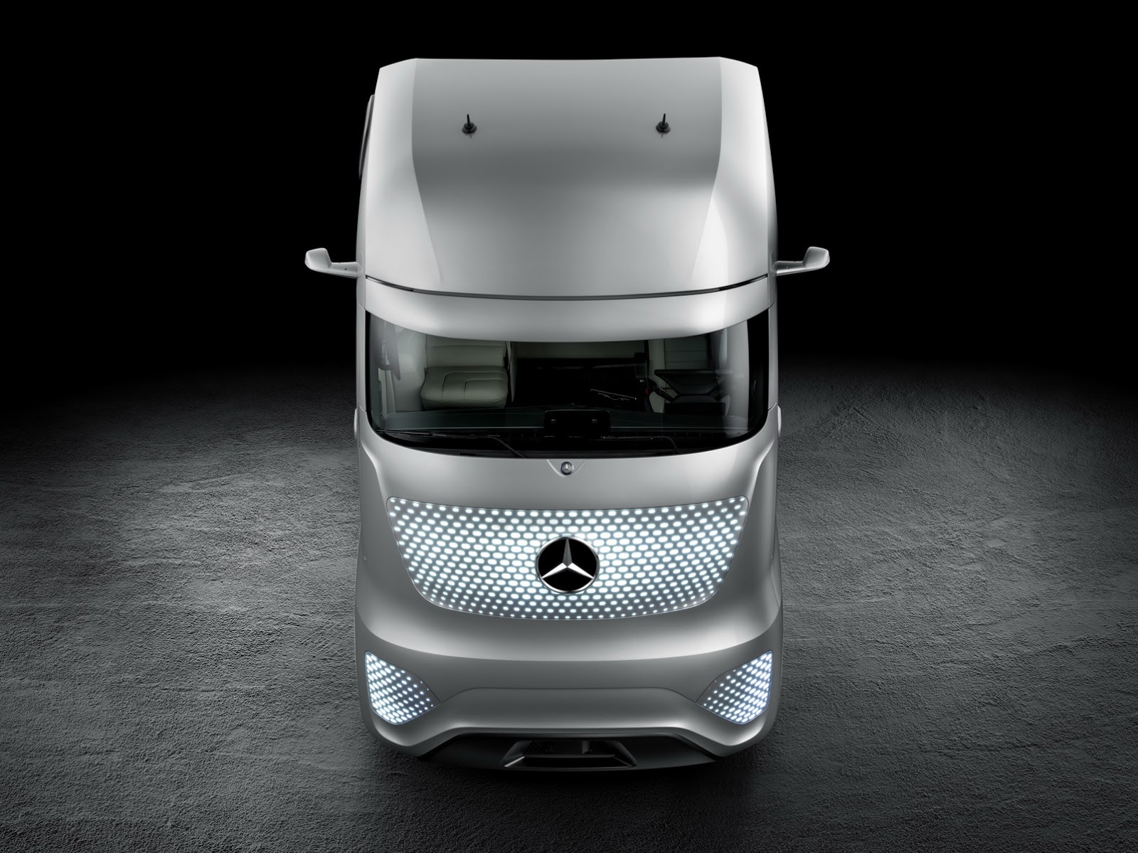 Mercedes 2025 Concept Truck Comes From The Future 65