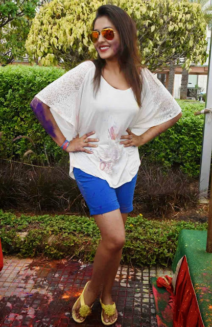 Madhu Shalini  Holi Celebrations Pictures 7.jpg