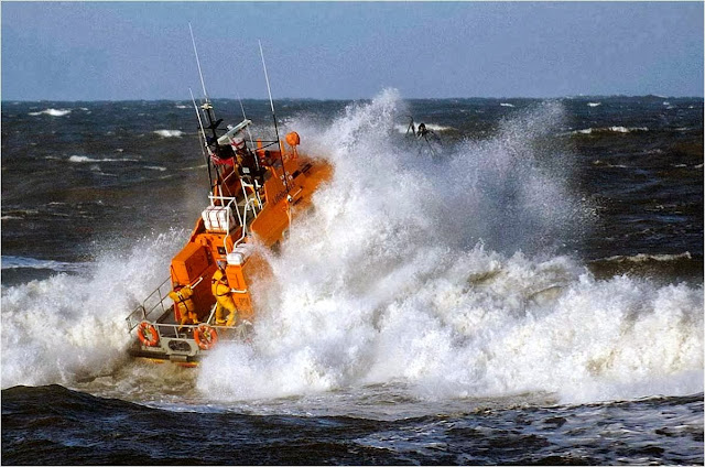 Whitby Lifeboat in action