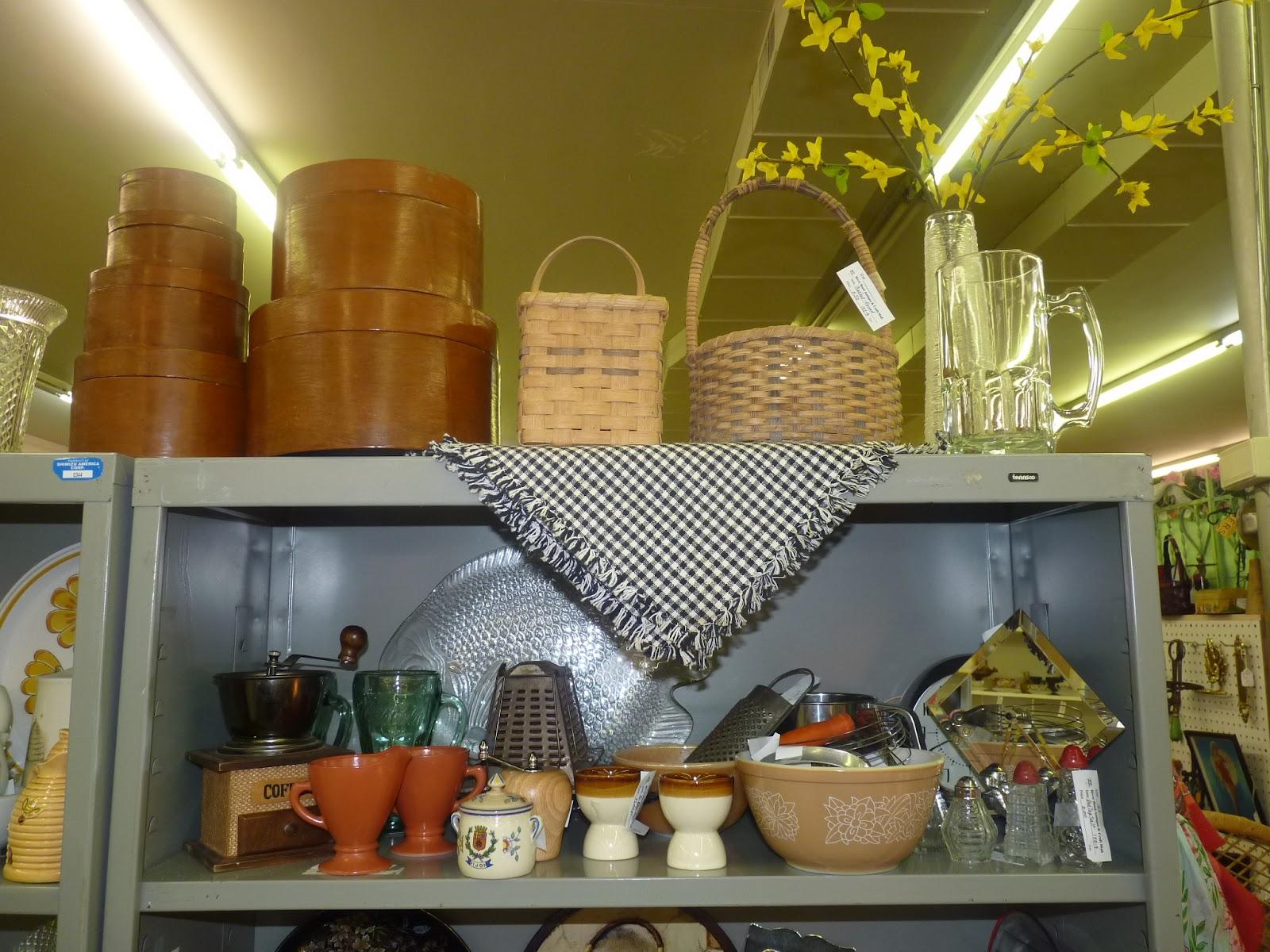 Kitchen Shelves Decorating