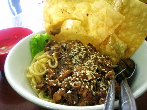 Review Pangsit Mie Bromo Pojok Kuliner Khas Malang